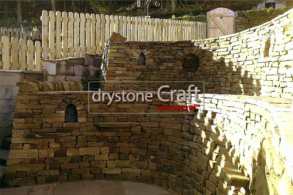 E_decorative_retaining_dry_stone_wall 1