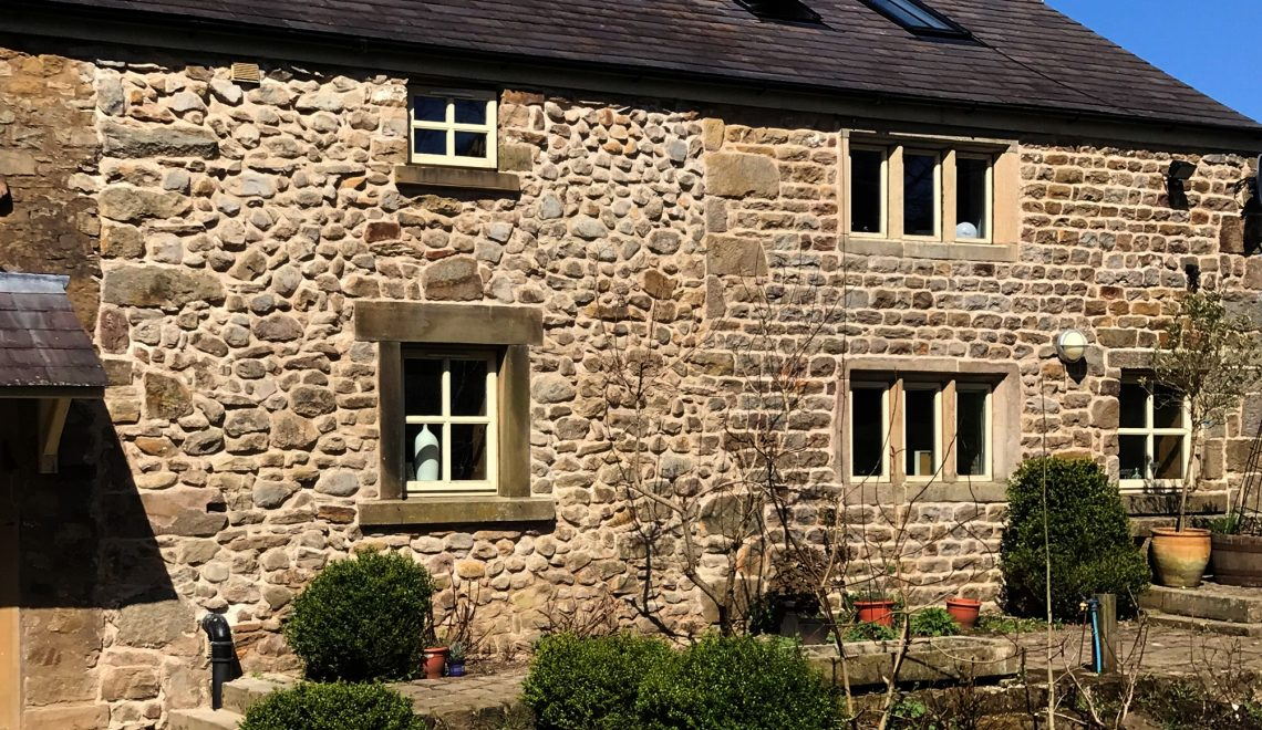 Stone-building-restoration-with-lime-pointing